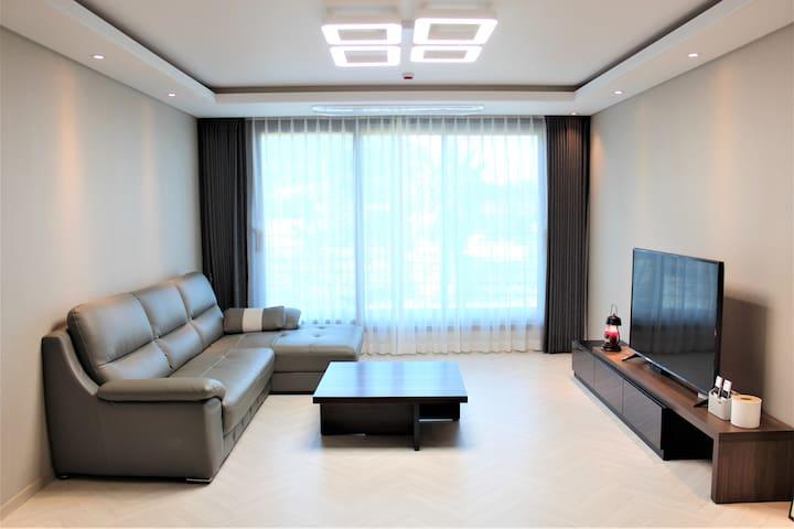 101동 203호-애월(더럭초) 호텔형 39평 풀옵션빌라/ 넓은테라스+오션뷰