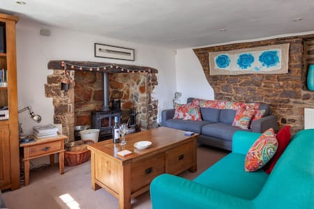Rambler Cottage, High Bickington