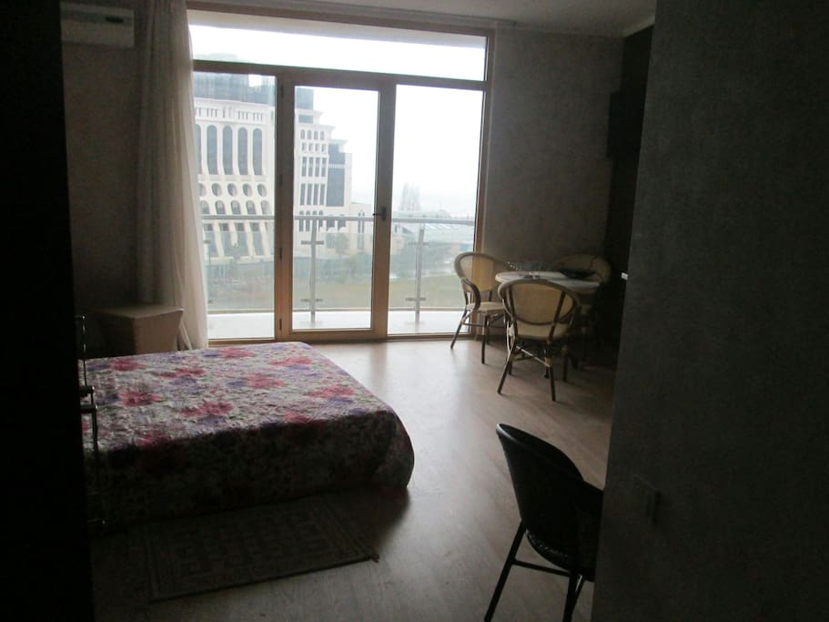 warm and welcoming apartment with an amazing view that is really difficult to find,one of the best views in town!
