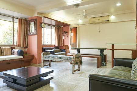 Warm Cozy Room - Thane West
