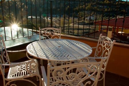 Estudio triple terraza, piscina climatizada - Hueva - Loma-asunto
