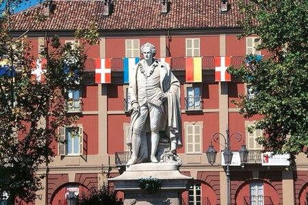 Centralissimo Piazza Alfieri - Asti