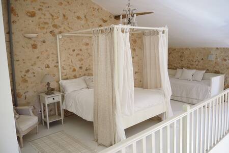 Hilltop Dordogne Retreat