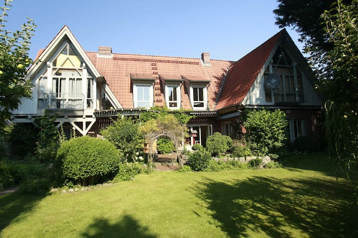 TRAUMhaus bed-and-breakfast-itzehoe - Itzehoe - Pousada