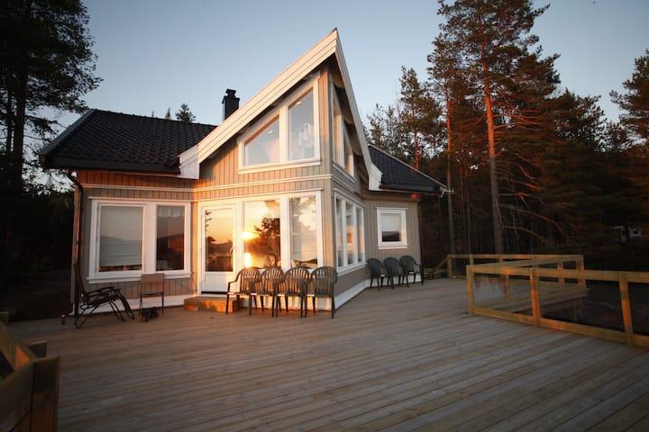 Flott moderne hytte, alle fasiliteter