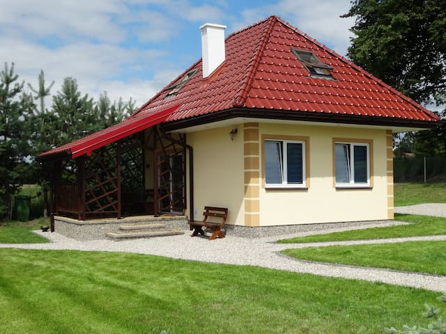 DOMEK NAD JEZIOREM - Srokowo - Guesthouse