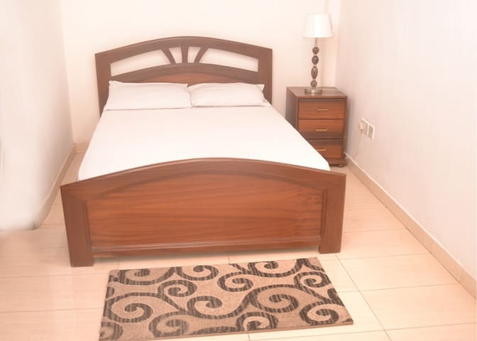 Cosy spacious 1 bed flat - Accra - Appartement