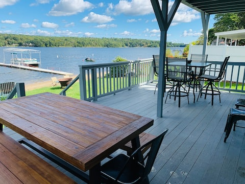 Updated Lakefront - House 10 min from UConn