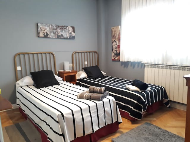 """Come to MADRID"" 2 bed on big ROOM 15"" Center Towm"
