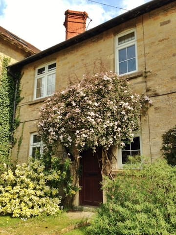 Gorgeous Rural Cottage Shaftesbury