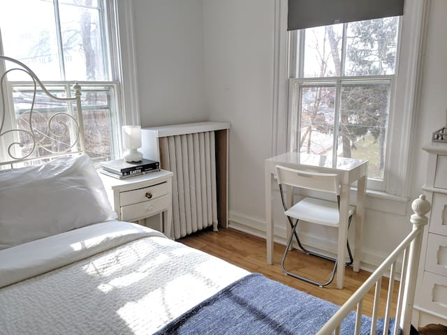 Minimal room in Arts Guest House just off Main