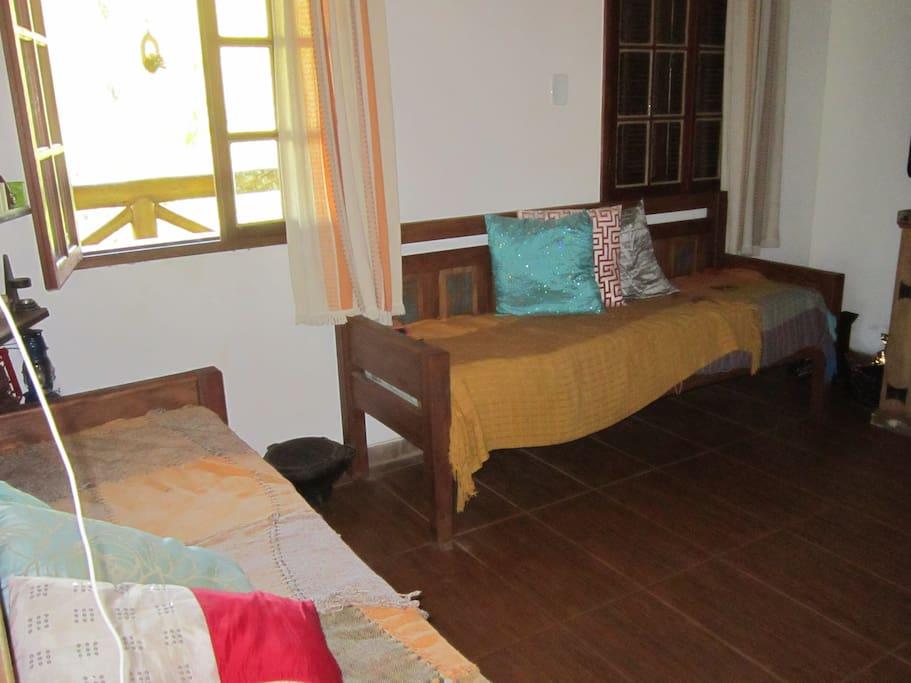 Sala c/ dois sofás-cama