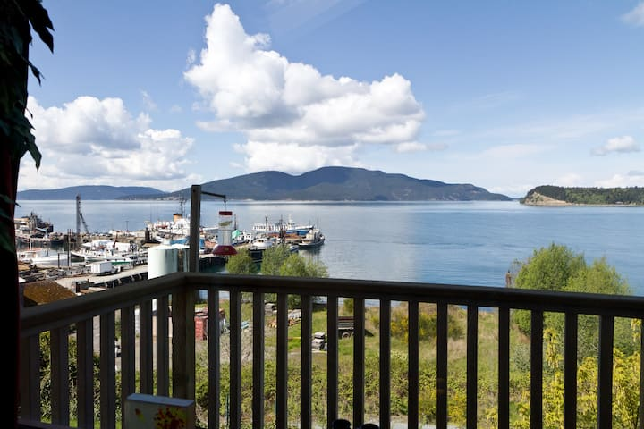 Large private room, great view - Anacortes - Rumah