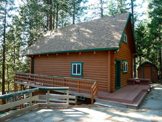 Little Big Cabin in Arnold, CA - Arnold - Cabane