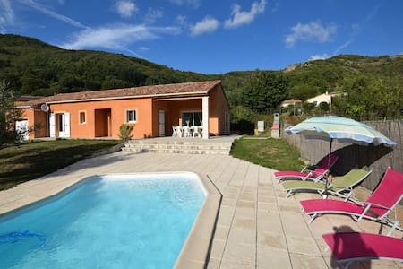 Luxueuse villa à Thueyts avec piscine privée