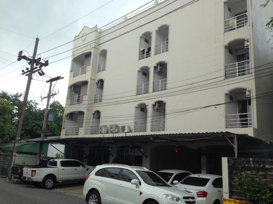 Exterior Building, located almost ended of the Soi 2
