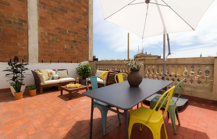 Amazing 1 bed rooftop in Eixample