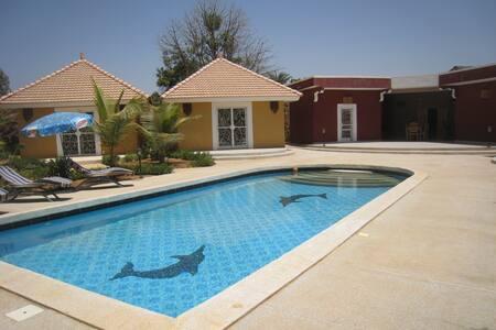 Gite avec piscine à 100m des plages - Ngaparou