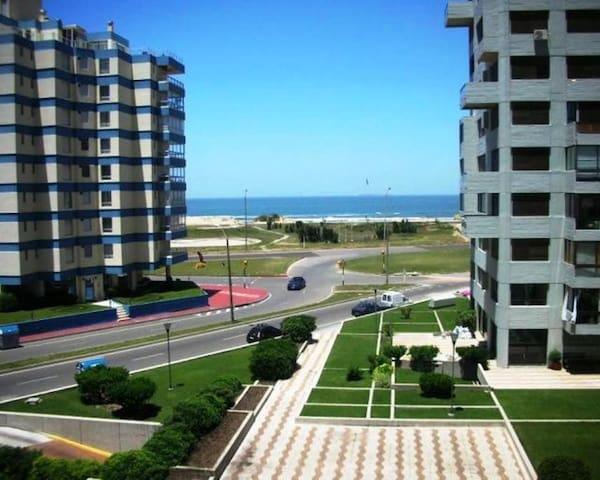 Apartamento Completo Parada 2 Brava Vista al mar.