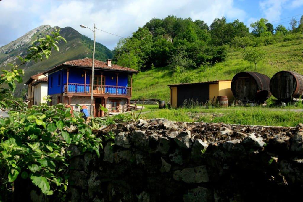 Casa super rom ntica con jacuzzi monta a y rio casas en alquiler en cangas de on s asturias - Cangas de onis casa rural con jacuzzi ...
