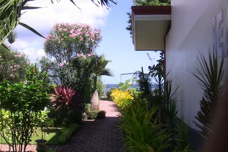 "SEAVIEW "" 2 double/deluxe rooms"" - Sibulan"