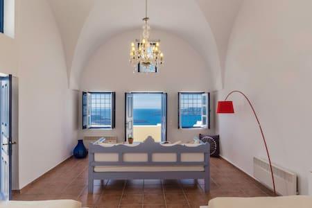 Astraea House,sleeps 8 to 9 persons - Fira - Villa