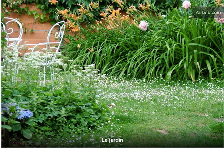 L'Atelier Bed and Breakfast 1-8 persons