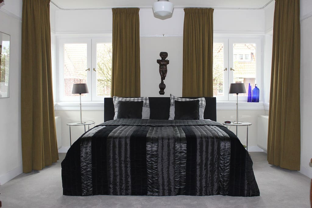 b b place 2 be huijgenslaan 9 eindhoven centrum bed and breakfasts for rent in eindhoven. Black Bedroom Furniture Sets. Home Design Ideas