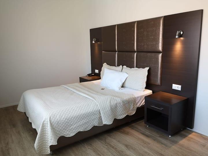 Boutique Hotel Bellevue, (Rheinfelden), Einzelzimmer Business mit Dusche und WC