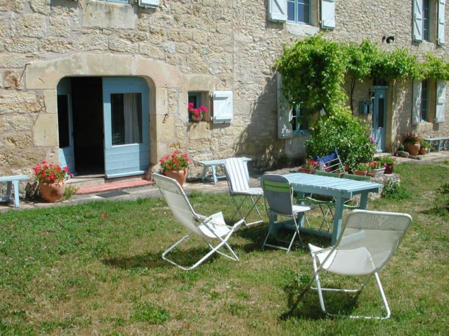 Appartement avec spa dans jardin privatif appartements louer souel midi pyr n es france - Appartement a louer avec jardin ...