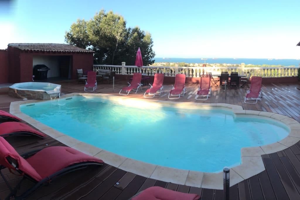 Villa corillas piscine v mer spa villas for rent in for Piscine 2 alpes