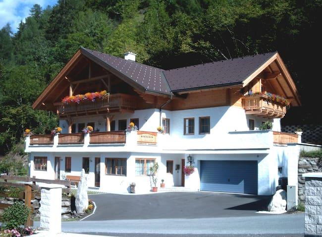 Appartementhaus Gugganig - Kleindorf - Byt