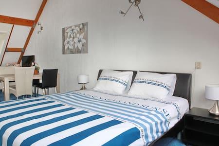 Teska Bed & Breakfast - Veenendaal - Bed & Breakfast