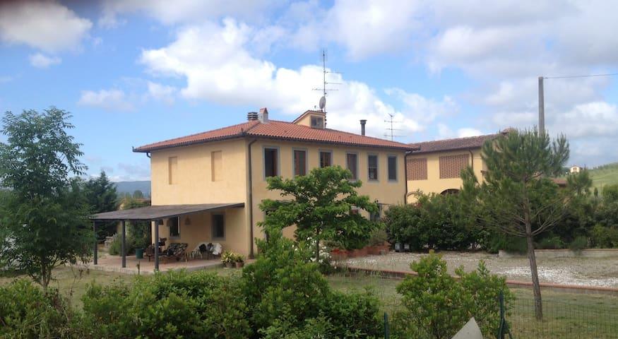 Country house in heart of Tuscany - Castelfiorentino - บ้าน