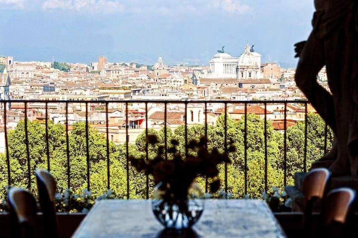 Onofrio Amazing Penthouse Up to 4 - Rome - Apartment