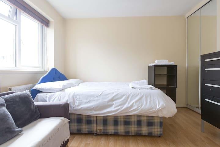 Pristine Budget Accommodation (CH R5)