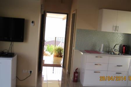 Ditza's Zimmer       הצימר של דיצה  - Moran - Apartamento