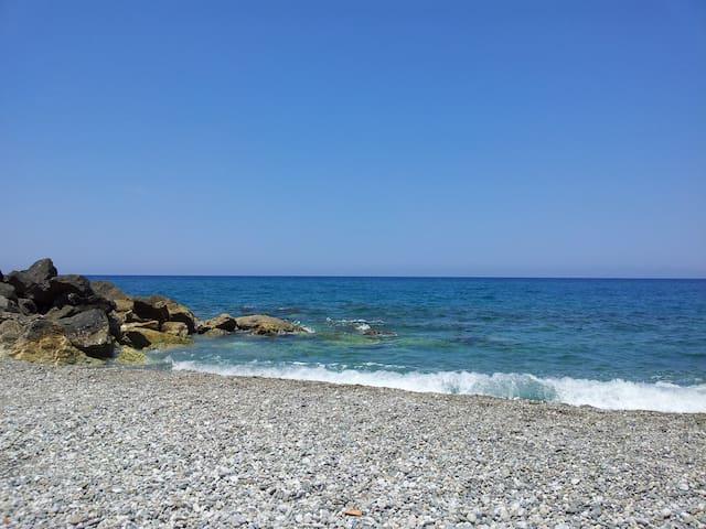 Villetta a pochi metri dal mare - Gliaca - Hus