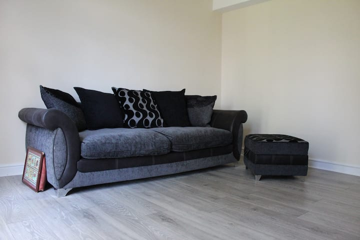 R4 - Sofa Bed Near LCFC/CityCentre/FossePark