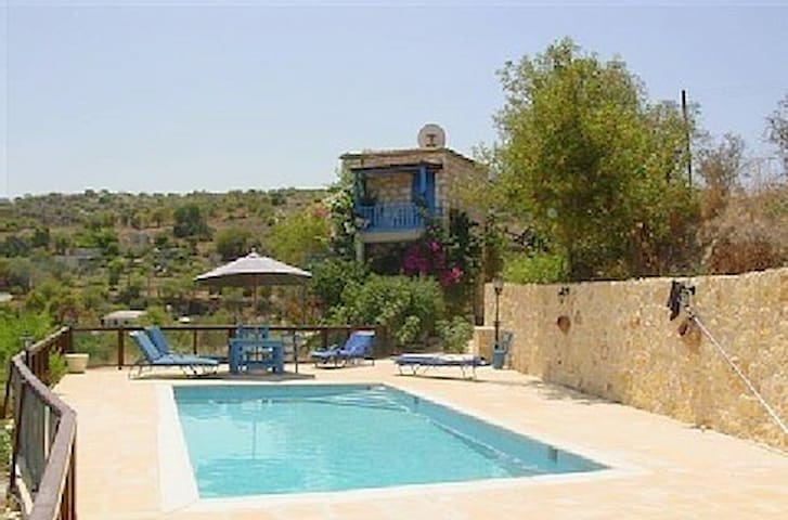 Secluded Farmhouse with Pool & Car - Kritou Tera - Casa