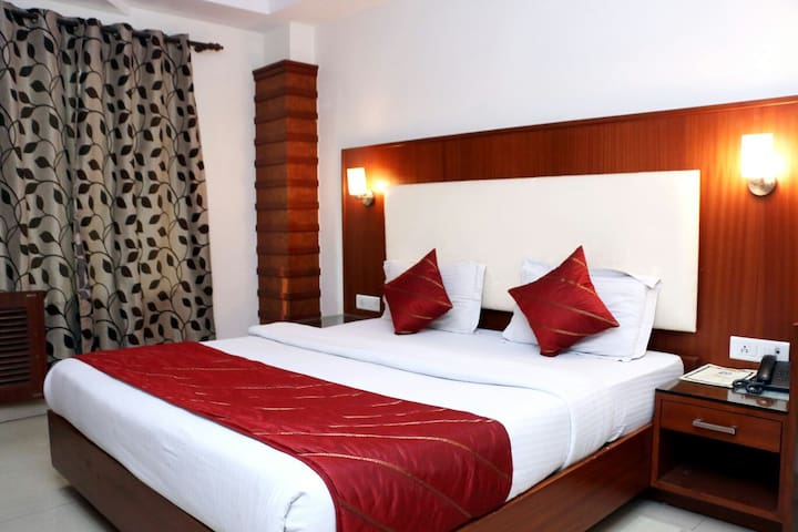 BED AND BREAKFAST @ STAR PROPERTY - New Delhi - Bed & Breakfast