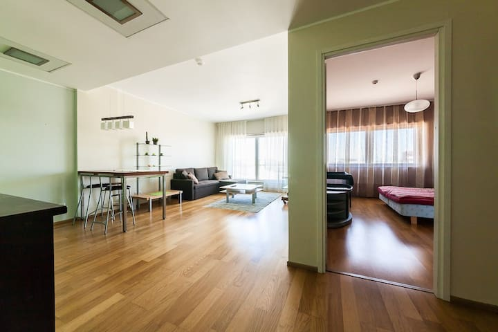 Best Apartments - Spacious City Center 1BDRM for 4 - Tallinn - Daire