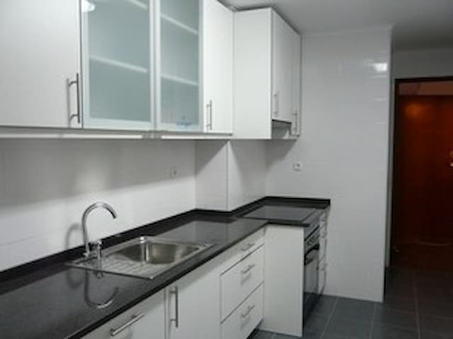 Apartment in Benfica - Train 100mts