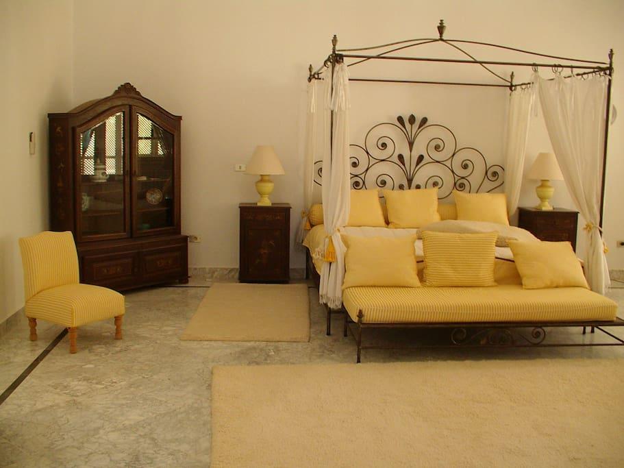 Houch Aziza chambre dorée