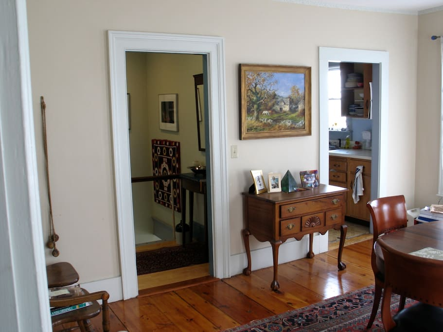 Bright colonial 1 bedroom apt apartments for rent in - 1 bedroom apartments in portsmouth nh ...