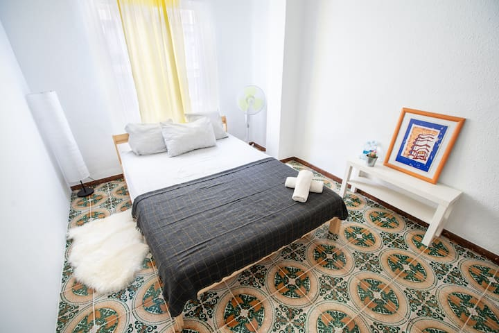 Large room near City of Arts&Scienses/Oceanografic