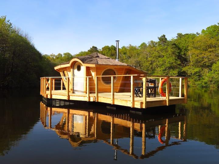 Séjour insolite en cabane flottante Bretonne