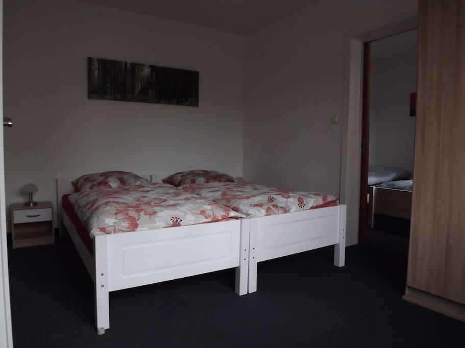 Schlafzimmer Nr. 1 mit 2 Einzelbetten