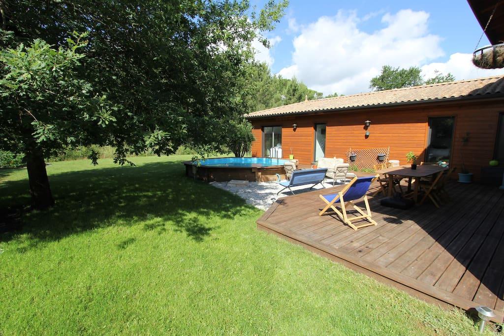 Vue terrasse & piscine 1