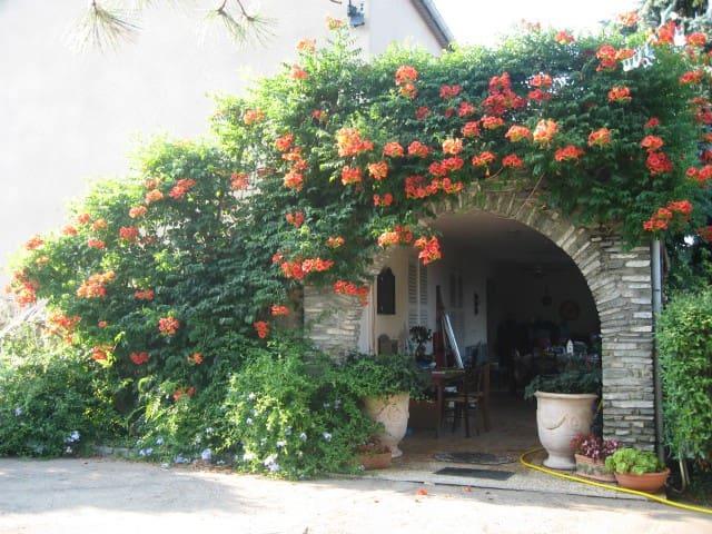 Haut de Villa avec Terrasse  - Biguglia - Hus